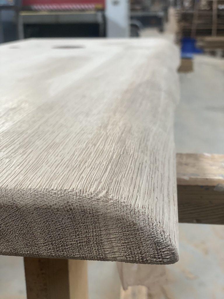 Masivní dřevěná dubová deska do koupelny