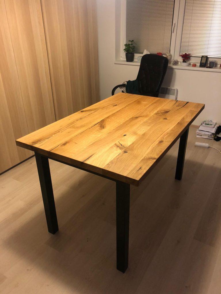 Dubový jídelní stůl na zakázku