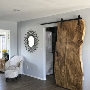 Dubové rustikální posuvné dveře do interiéru