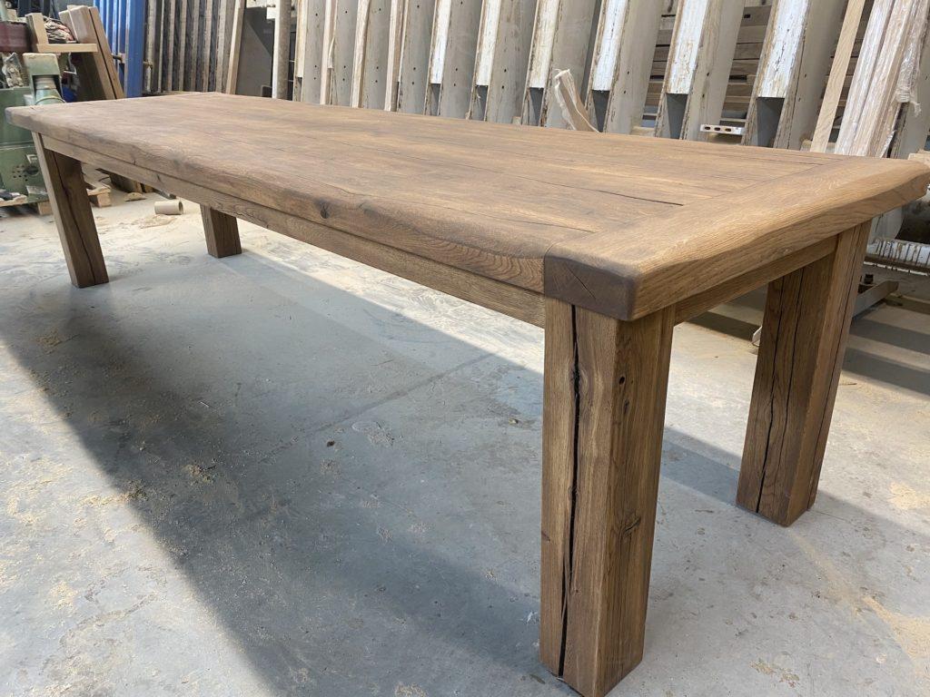 Masivní dubový selský stůl