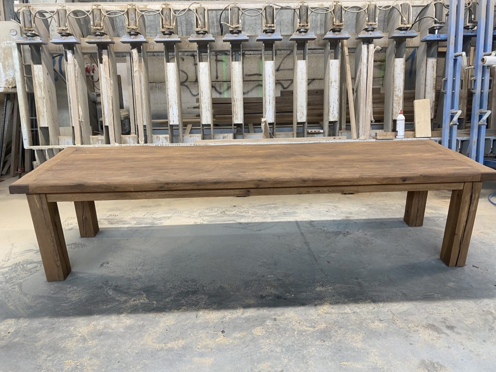 Masivní dubový selský stůl 5