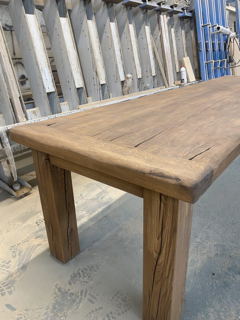 Masivní dubový selský stůl 8