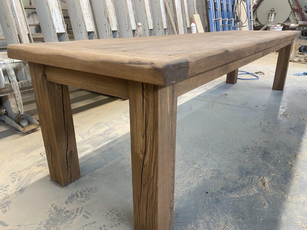 Masivní dubový selský stůl 9