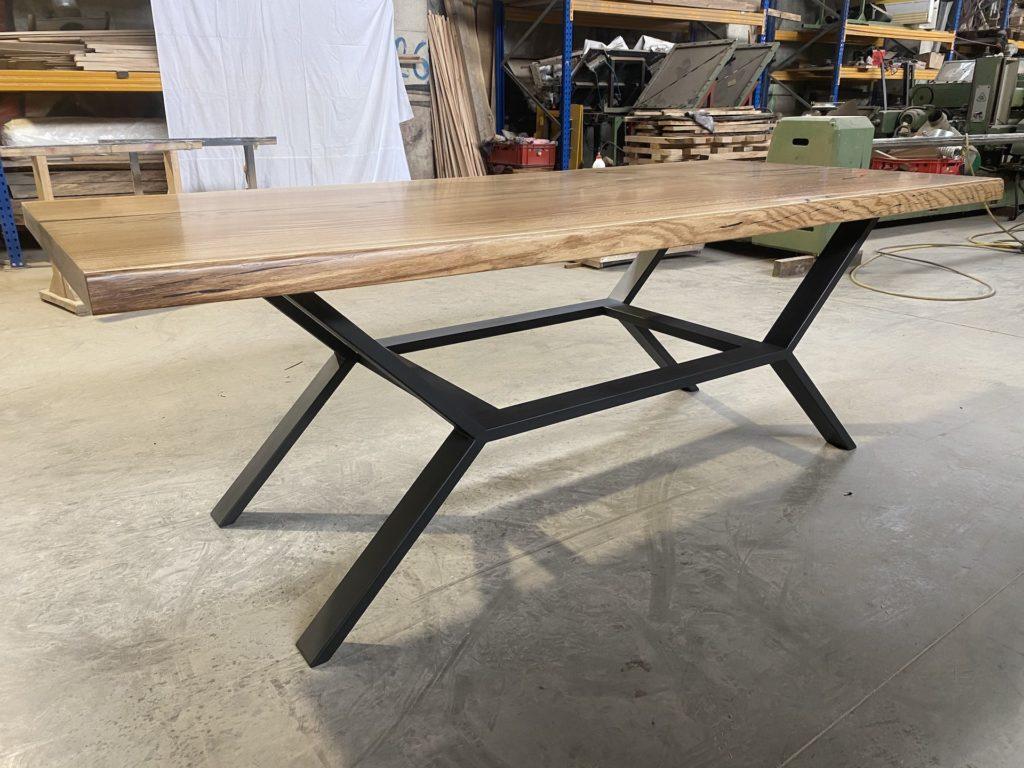 dubové masivní stoly s ocelovou konstrukcí 5