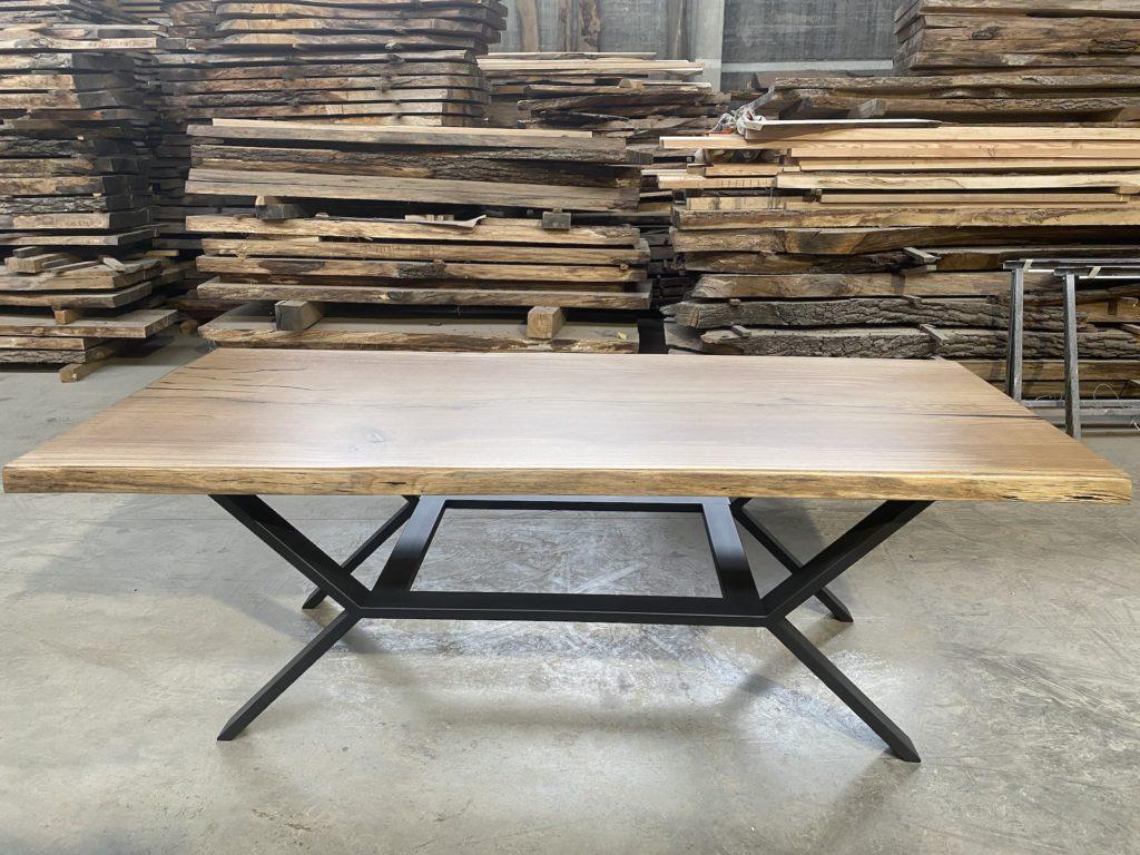 dubové masivní stoly s ocelovou konstrukcí 7