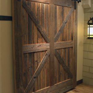 Masivní dřevěné posuvné interiérové dveře
